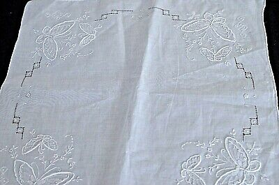 Vintage Madeira Embroidered WEDDING HANKY with BUTTERFLIES NIP VV27
