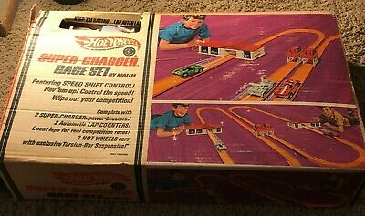 Hot Wheels 1969 Super Charger Race Set Near Complete Missing Cars