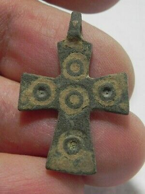 ZURQIEH -as14996- HOLY LAND. BYZANTINE BRONZE CROSS PENDANT. 800 - 1000 A.D