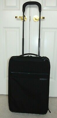 Briggs & Riley Travelware   U420S-4  Rolling Carry On  Luggage