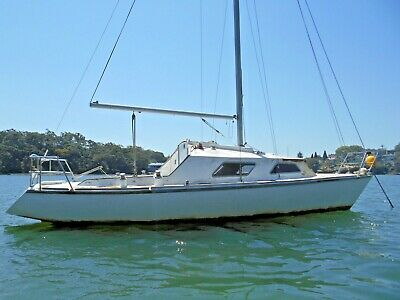 Classy Classic Yacht 28ft big volume with history ( Sydney Harbour ) No Reserve!