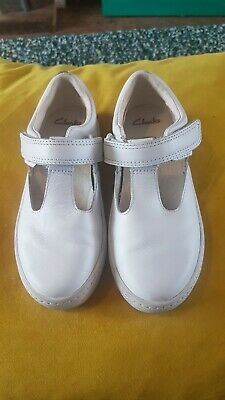 Girls Clarks White Leather T Bar Pumps Shoes Size 10 F