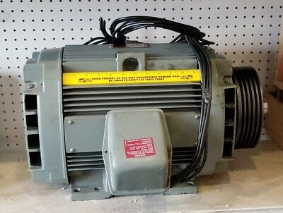 GE Hydraulic Elevator Motor 25 HP Three Pole Used in Good Working Condition