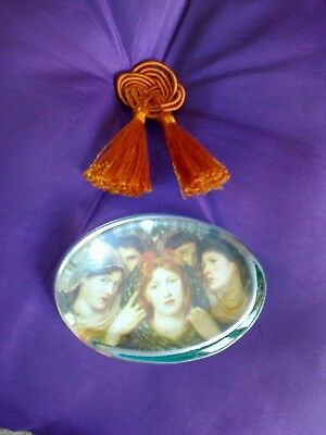 Attractive Art Nouveau Style Paperweight