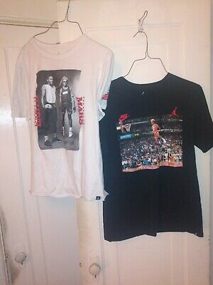 Michael Jordan #23 Chicago Bulls dunking Nike Air and Best on Earth L t-shirts
