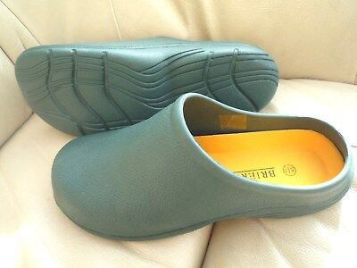 NEW Briers dark  green lightweight CLOGS--Size 6 UK adult.