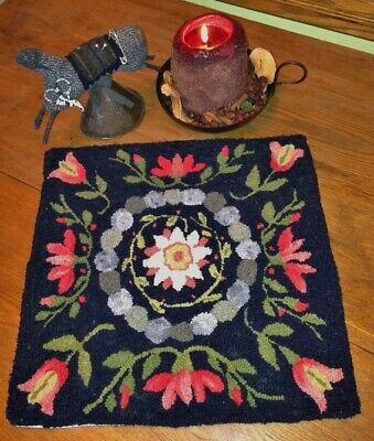 Primitive Hooked Rug Pattern On Linen ~ Gary's Garden