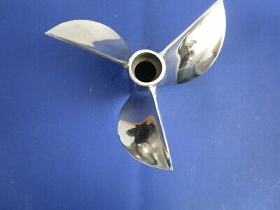 Signature  Outboard Racing Cleaver Propeller 10 1/2 X 22
