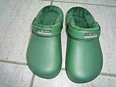 NEW Town & Country Eva green lightweight fleecy CLOGGIES--Size 10 UK adult.