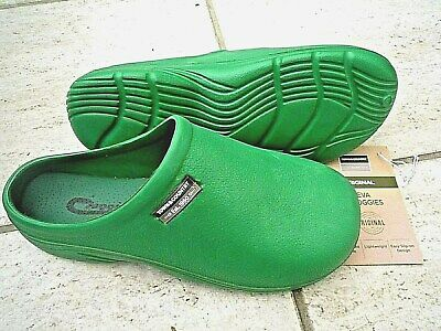 NEW Town & Country green lightweight CLOGGIES--Size 5 UK adult.