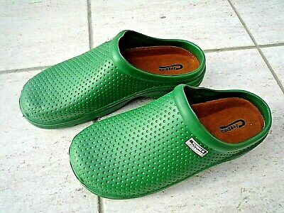 NEW Town & Country green lightweight patterned CLOGGIES--Size 5 UK adult.