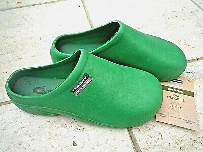 NEW Town & Country green lightweight CLOGGIES--Size 7 UK adult.