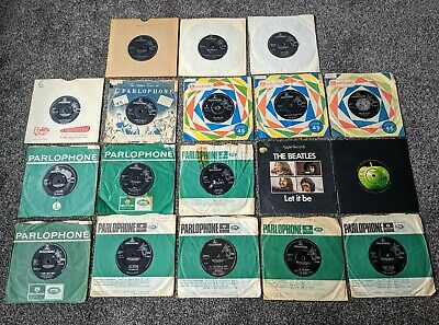 The Beatles Job Lot Collection Of 18 Uk 1St Pressing Vinyl Singles & Sleeves