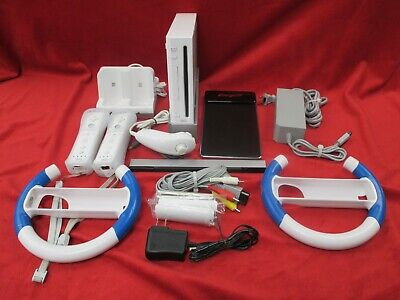 Nintendo Wii White Home Video Game Console 2 Controls Recharge Batteries RVL-001
