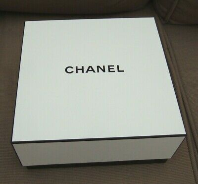 CHANEL Authentic White Empty Gift Box 8.5 x 8.5 x 4 inches Pristine Condition