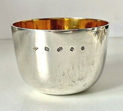HALLMARKED SOLID STERLING SILVER Antique Style Whisky etc TUMBLER CUP - 126g