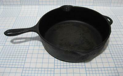 VINTAGE ANTIQUE Heavy WROUGHT CAST IRON Wagner Ware Sidney Ohio 11 SKILLET SPOUT