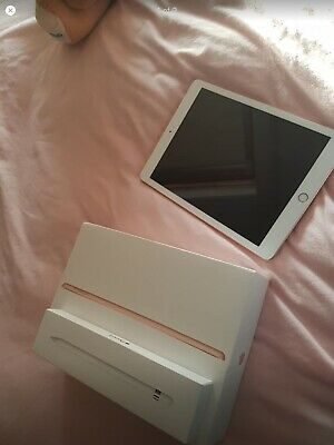 Apple iPad 6th Gen. 32GB, Wi-Fi, 9.7in - Gold With Apple Pencil