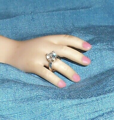Diamond Solitaire SILVER DOLL RING Fashion dolls Modeled by modern CISSY 4 prong