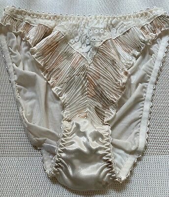 St Michael High Leg Silky Fluttery Plisse Pleated Knickers  Vintage Panties 1991
