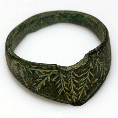 Very Rare Roman Bronze Decorated Archer Ring Circa 200-400 Ad