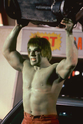 Incredible Hulk Lou Ferrigno 24X36 Poster Arms Aloft