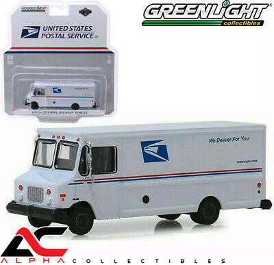 Green Machine 33170-B H.D Trucks Series 17-2019 Mail Delivery Service Vehicle United States Mail Service 1:64 Scale Greenlight Chase