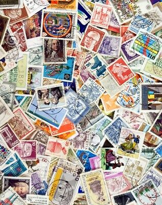 Assorted Collection of 250 World Stamps - All Different & Off Papper
