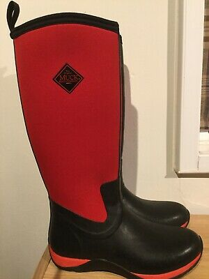 *SALE* Ladies black //red rose patterned heeled wellington boots X1178.