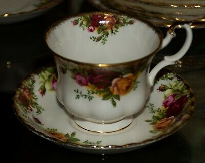 Royal Albert Old Country Roses England~New Tea Cup and Saucer set(s) 1974-1980