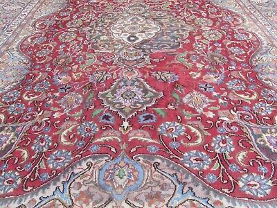 A BRILLIANT OLD HANDMADE TRADITIONAL ORIENTAL CARPET(335 x 230 cm)