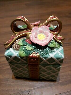 Fitz And Floyd Classic Christmas Present Green Trinket Box w/Lid Ribbon Holly