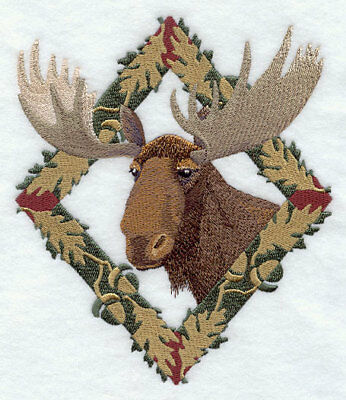 Embroidered Short-Sleeved T-shirt - Moose in Autumn Leaf Frame E7043