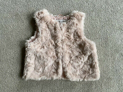 H&M Girls Pink Fluffy Gilet Age 3-4