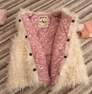 Girls Mantaray gilet Age 5-6
