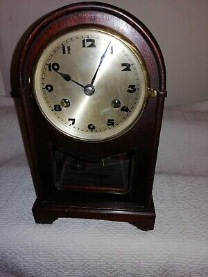 Vintage / Antique, Dome Top Mantle Clock in Excellent Condition & Working Order.