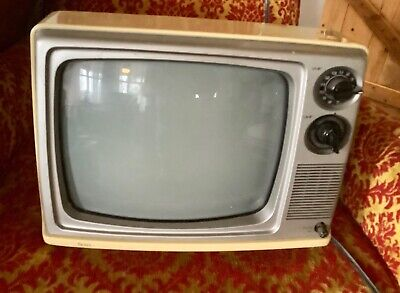 Vintage 1983 SEARS SOLID-STATE PORTABLE TV model 562-50070250