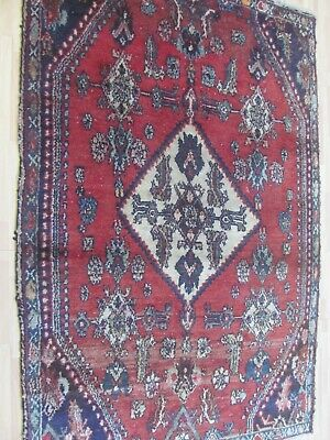 A SPLENDID OLD HANDMADE TRADITIONAL ORIENTAL RUG (175 x 110 cm)