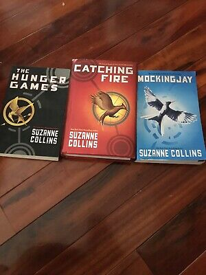 The Hunger Games Trilogy 3  Books Complete Set by Suzanne Collins 2010