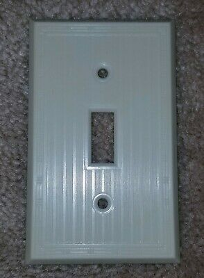 Vintage Early Mid Century UNILINE BAKELITE Single Toggle Wall Switch Plate