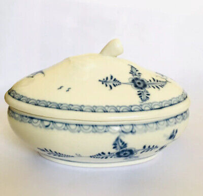Antique Porcelain Old Chinese white and blue porcelain # 807 vintage