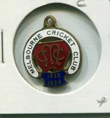 Melbourne Cricket Club members badge Country 1932 - 1933