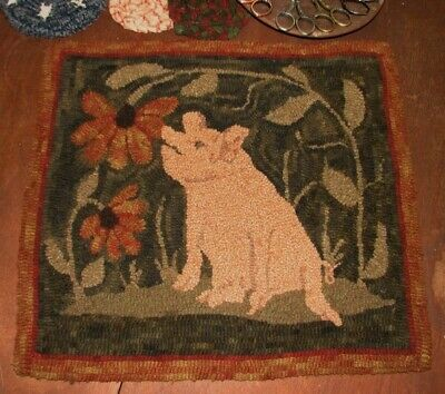 Primitive Hooked Rug Pattern On Linen ~ Maximus Snifficus