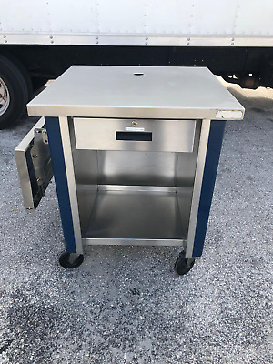 Cashier Counter on Caster 30x30