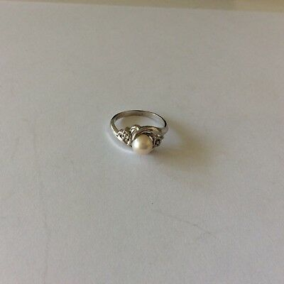Vintage 10K White Gold Culture 6.35 mm Pearl Size 6 Ring