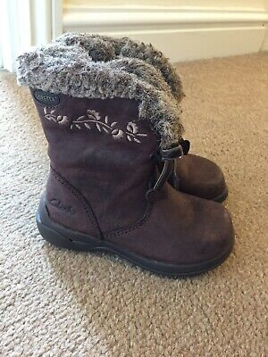 Clark's Goretex girl's brown, leather boots, Size 4.5F