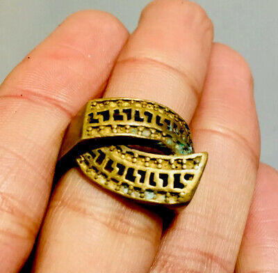 Rare Ancient medieval Ring Roman Military Bronze Ring Museum Quality Artifact