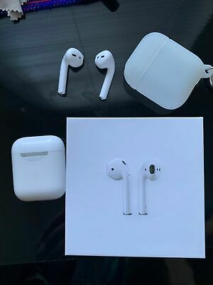 Apple AirPods 2nd Generation with Wireless Charging Case White UK Seller