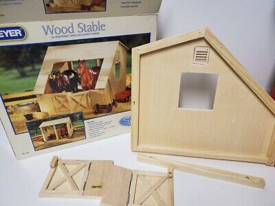 Breyer Traditional Series Run-In Barn Wood Wooden Horse Stable New In Box