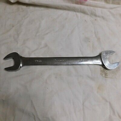 Snap-on 30mm X 32mm Open End Wrench VOM3032B